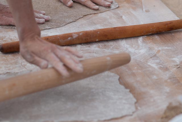 The rolling pins of choice for the cracker class are without handles offer a better feel for the dough and become an extension of the your hands.
